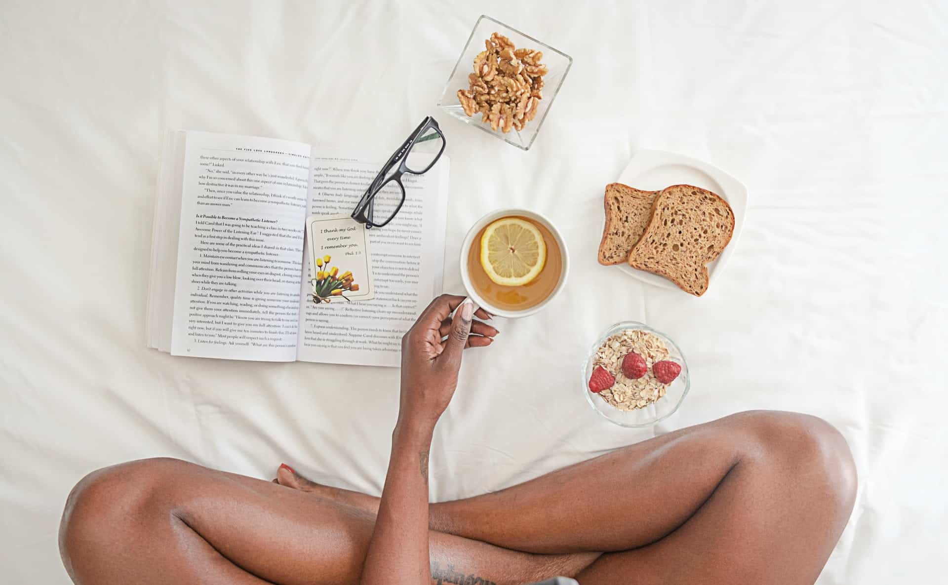 healthy-breakfast-spread-in-bed